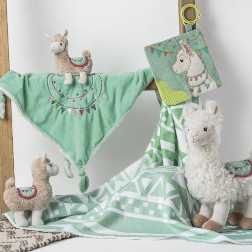 Mary Meyer Set of 2 Wonderlicious Baby Bibs LilyLlama