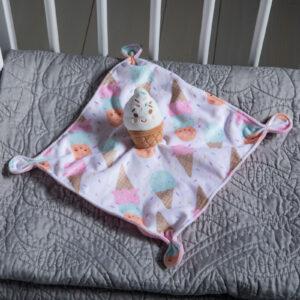 44202 Sweet Soothie Ice Cream Blanket