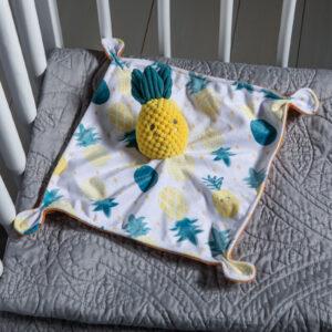 44203 Sweet Soothie Pineapple Blanket